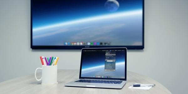 Computer extending desktop to TV with AirParrot