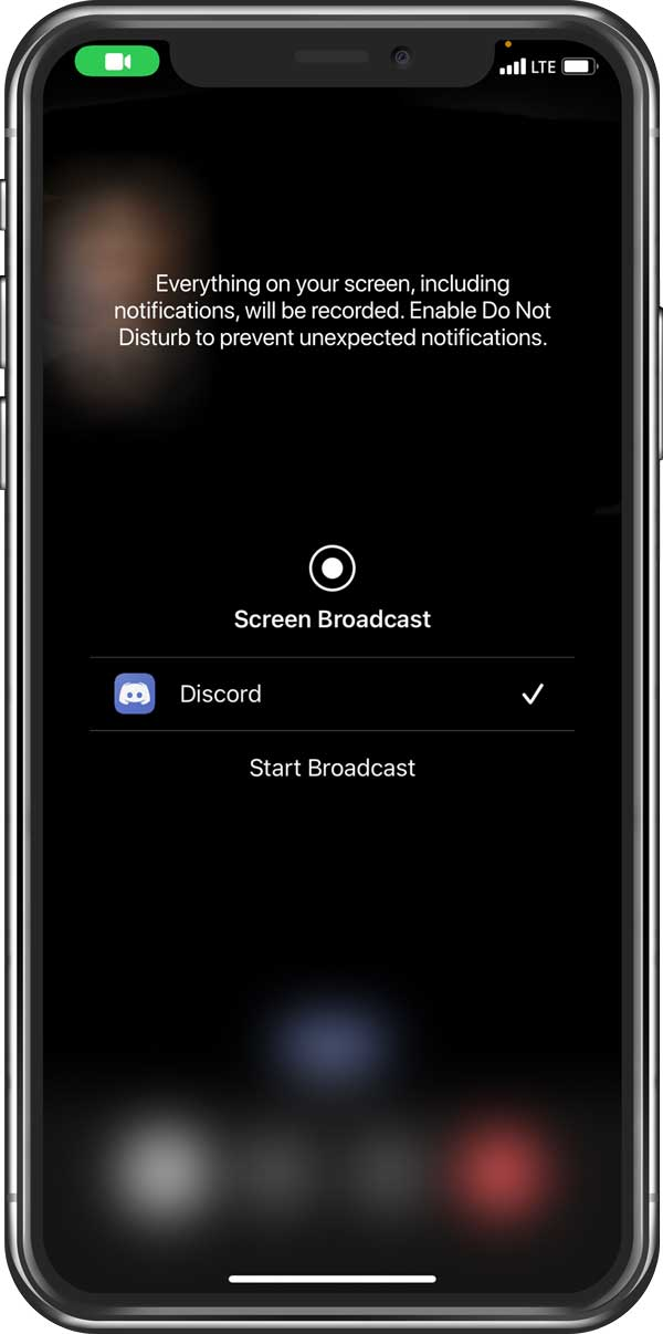 Screen broadcast selection on mobile